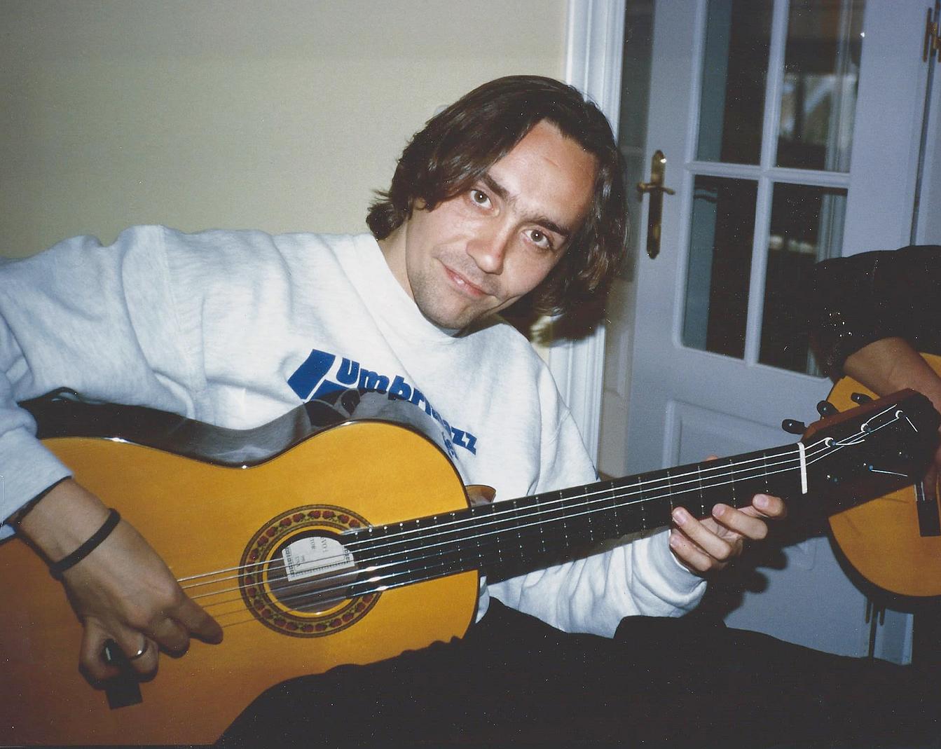 Vicente Amigo | Lester DeVoe Guitars